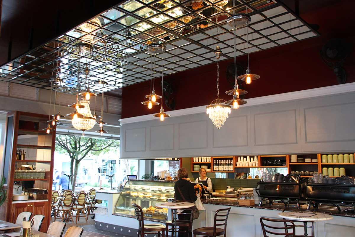Aroma's Café